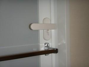 浴室、ドア、鍵